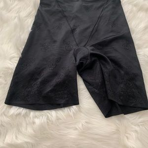 Flexees Intimates & Sleepwear - Flexees shapewear. EUC